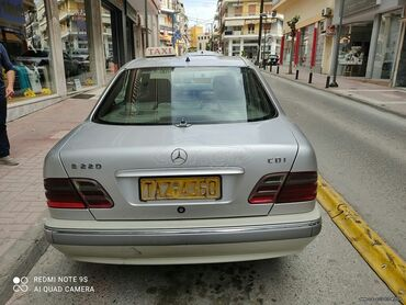 Mercedes-Benz E 220 2.2 l. 2000 | 300000 km