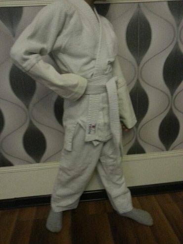 karate uecuen kimono - Azərbaycan: Kimono Satilir Ustunde Elave Salvarda Verilir