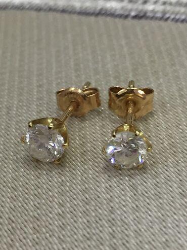 gtx 750 ti купить в Кыргызстан: Пусеты золотые 750 и запонки тоже золото 750 .Бриллианты