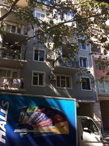 - Azərbaycan: Mənzil satılır: 2 otaqlı, 43 kv. m