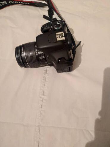 ретро фотоаппарат зенит в Кыргызстан: Cenon 600D в идеальном состоянии с поворотным экраном объектив 18-55