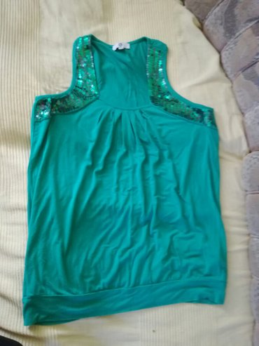 Majica sa strasom velicina 44—46 inace se nosi sira - Smederevo