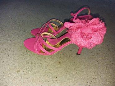 Prodajem sandale,broj 38... Nosene samo dva,tri puta,jos lepse - Krusevac