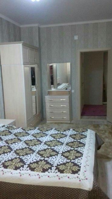 срочно!!! сдаю 2-х комнатную квартиру в районе белого дома. застройщик в Бишкек