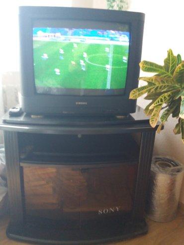 Телевизор с тумбой 5000с в Бишкек