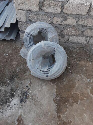 Borular Azərbaycanda: Kabel borusu 15lik 15manat 100metrdir. 20lik 10manat 50 metrdir
