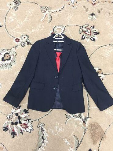 школьную рубашку в Кыргызстан: Детский черный пиджак с жилетом ( 2,3-класс )