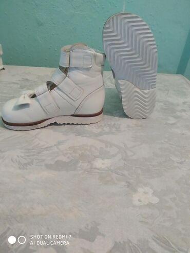 продам нов в Кыргызстан: Продам ортопедическую обувь на девочку 4-5 лет 27 размер новые сшиты