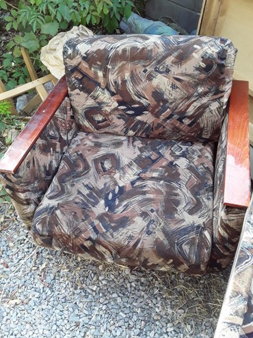 Продам два раскладных кресла и софу в Лебединовка
