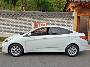 HYUNDAI ACCENT LIMITED 2016 σε Keramoti