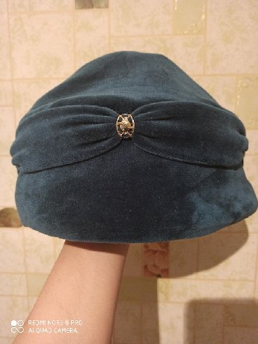 женская одежда бишкек в Кыргызстан: Женская шапка на зиму. Материал бархат