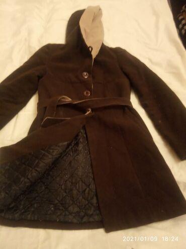 Пальто зимнее с капюшоном размер 44 46 б/у цена 300 сом