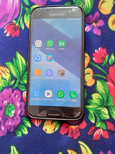 Samsung galaxy star - Кыргызстан: Б/у Samsung Galaxy A3 2017 16 ГБ Черный