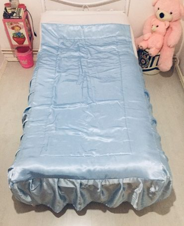 Prekrivac od satena za singl krevet bez ostecenja - Vrsac
