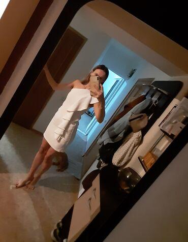 коктейльные платья футляр в Кыргызстан: Шикарное белое платье футляр на одно плечо с