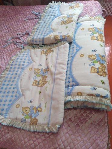 бу детские кроватки в Кыргызстан: Продаю бу бортики в детскую кроватку, размер матраса 80х130,состояние