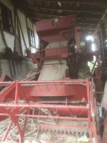 Poljoprivredne masine - Srbija: Na prodaju kombaj-Boljevac