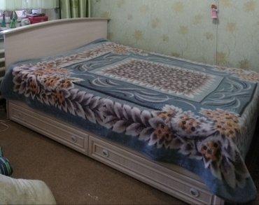 Кровать двухспалка из гарнитура, внизу два выдвижных ящика в Бишкек