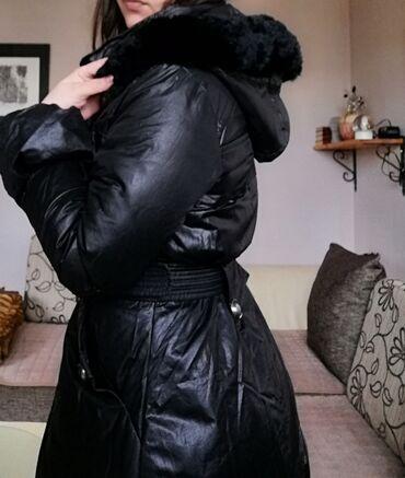 Zimska jakna sa krznom - Srbija: Prelepa zimska jakna, sa prirodnim krznom, m Velicina