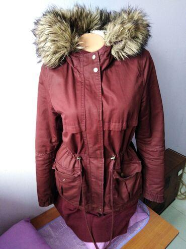 Zimska jakna sa krznom - Srbija: Jakna zimska kupljena u H&M - u. 40 vel. Placena 12.000. jednu