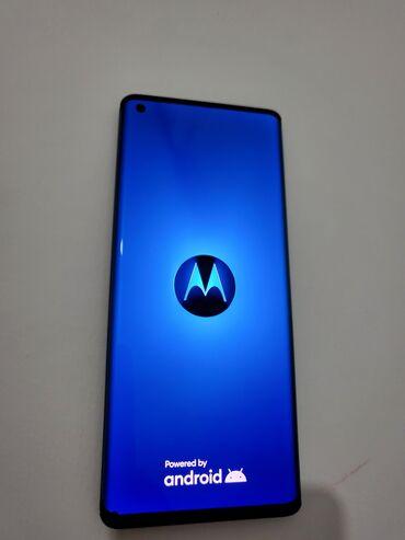 2483 oglasa: Na prodaju Motorola EDGE Solar Black. Kupljen u Gigatronu 09.01.2021