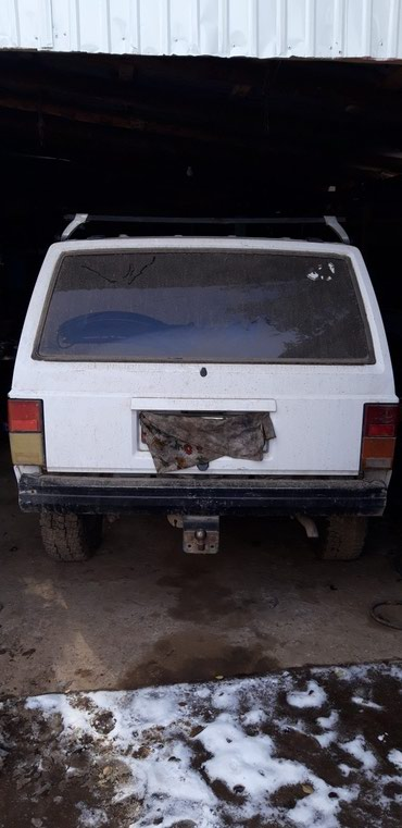 Jeep Cherokee 1994 в Кемин