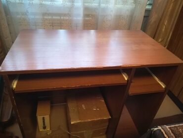 Стол компьютерный, 650 сом