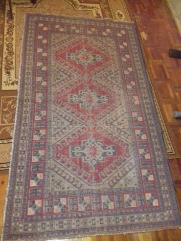 Sumqayıt şəhərində 1880-cı ilin qədimi iran əl xalçası satılır