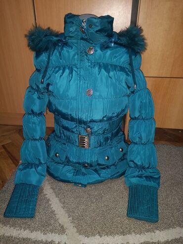Zimska jakna sa krznom - Srbija: Jakna zimska nova ne korišćena, velicina s, postavljena unutra sa prel