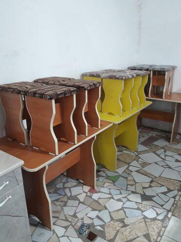 Комплекты столов и стульев - Кыргызстан: Стол 4 табуретки новый на кухню стол стулья