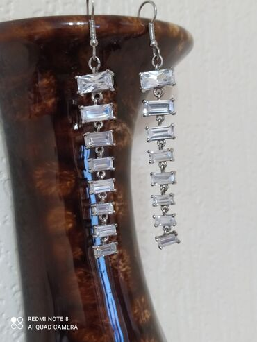 тумбы под телевизор фото и цены in Кыргызстан   ТУМБЫ, ТВ СТЕНДЫ: Продаю серебряные серьги,разные,нежные,красивые,длина-7см, смотреть