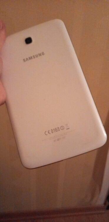 Samsung galaxy a3 - Азербайджан: На запчасти Samsung Galaxy A3 16 ГБ Белый