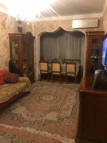 butslar b - Azərbaycan: Mənzil satılır: 2 otaqlı, 60 kv. m