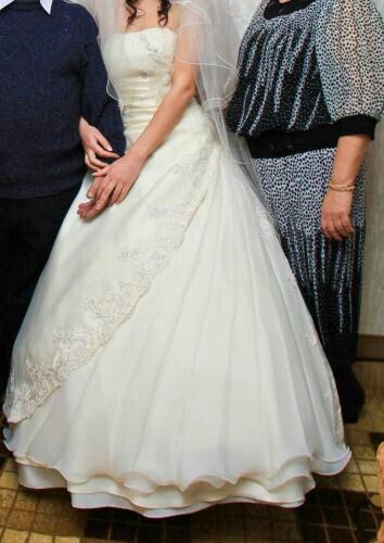 Свабедное платье. Цвет - айвори