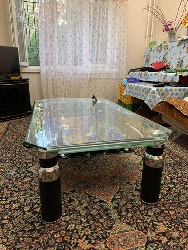 Продаю стол из кованного стекла, почти новый! Цена 10000тыс