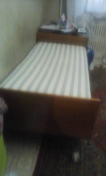 Продаю кровать 1 спальную с матрасом  в Бишкек