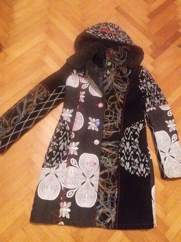 Kaput postavljen - Srbija: Prelep pacvork kaput,s velicina.moze biti i za zimu posto je