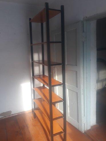 Продаю полку деревяную в отличном состоянии,цена 1500т сом,можно
