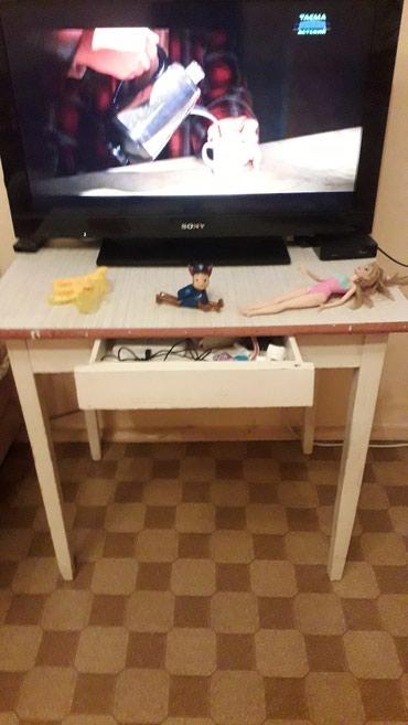 Продаю стол из дерева. Есть 4 стульчика в Бишкек