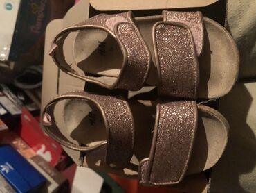 Sandale za devojcice. H&M  Broj 24