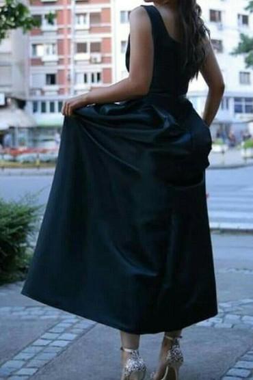 IZnajmljivanje haljine Haljina velicina L duzina 1,5m, sirina u struku