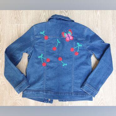 Классная джинсовая куртка для девочки в идеальном состоянии