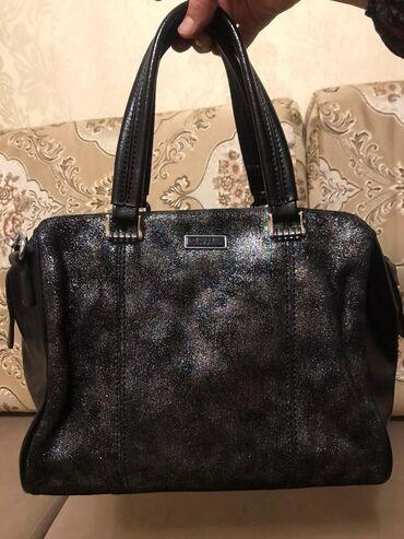 сумка-бу-кожа в Кыргызстан: Продаю кожаную сумку фирмы Fiore Rosso. Имеется длинный ремешок. Качес