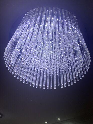 2 Красивые, большие потолочные люстры в наличии. Диаметр 70 см. Цена