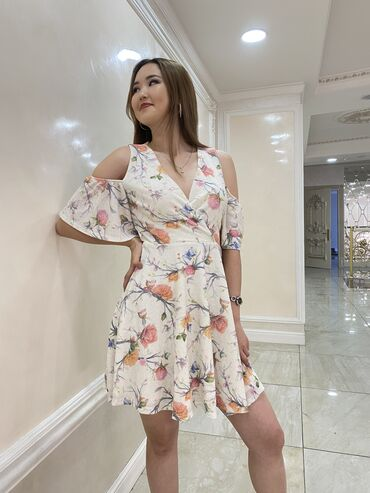 женское коктейльное платье в Кыргызстан: Нежное коктейльное платье 🥰С короткими рукавамиПодойдёт как и для е