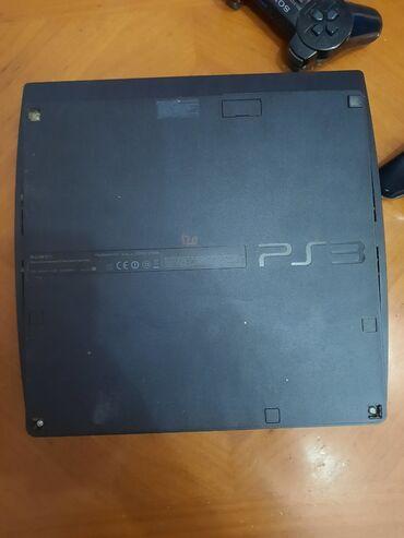 Sony 3 u ispravnom stanju.120gb.2 dzojstika plus 9.igrica,punjac i
