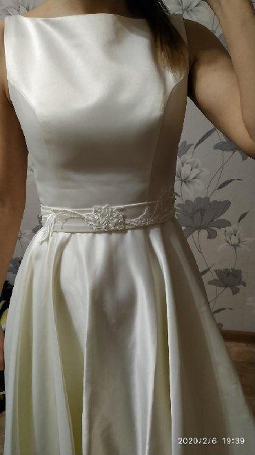 Платья в Кыргызстан: Продаю платья вечернее. размер s . материал атлас