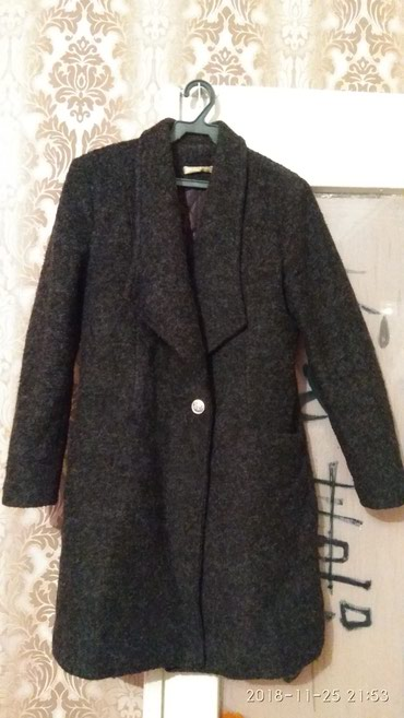 Пальто жен. осень-зима В отличном состоянии в Бишкек