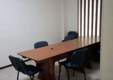 аренда квартиры под офис у физического лица в Кыргызстан: Сдаётся в аренду помещение под офис