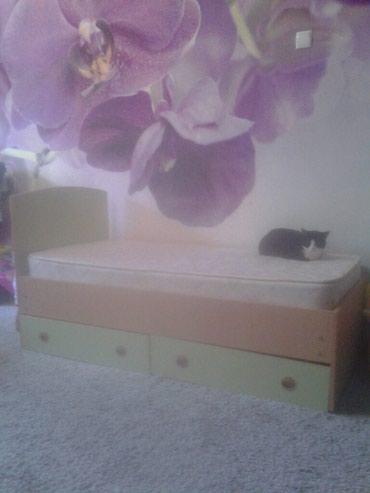 Продаю детскую кровать с матрасом в Бишкек